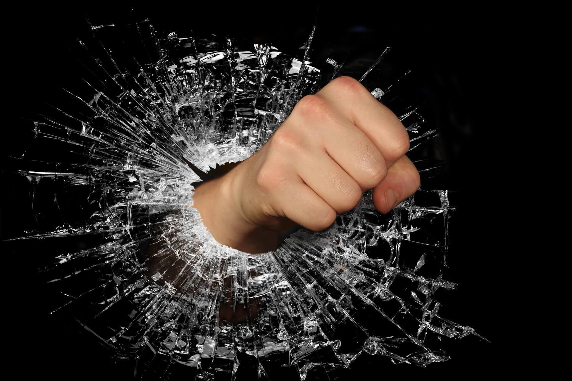 Lerne deine Wut in den Griff zu bekommen mit NLP