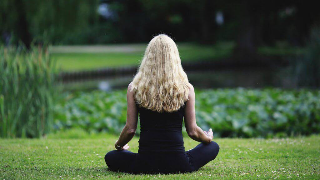 Geduld üben: Tipps und Übungen für mehr Gelassenheit im Alltag